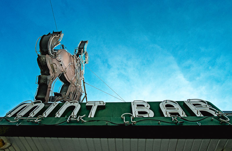 Mint Bar Neon Sign - Day